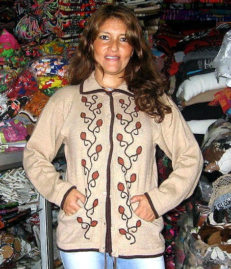 Folklorical embroidered cardigan, made of Alpaca wool
