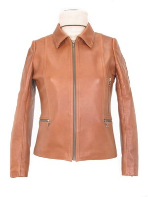 Women�s beige Lambskin leather Jacket with Ziper