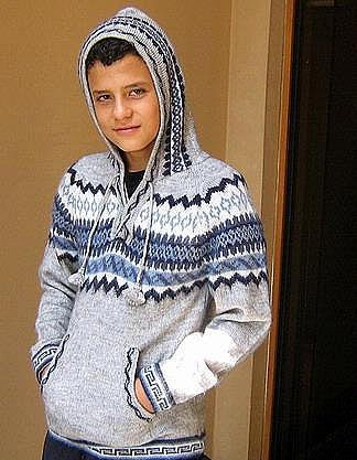 Peruvian hooded sweater made of Alpacawool