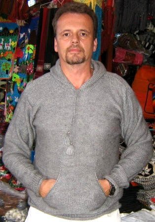 Gray hooded sweater, hoody made of alpacawool