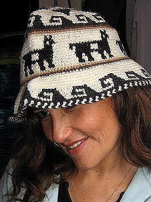 Hat made of Alpaca fabric from Peru