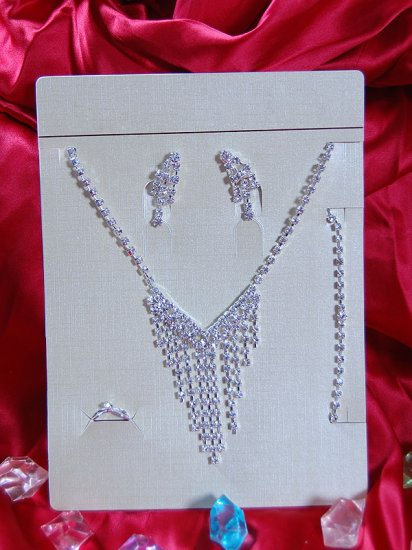 Necklace with matching earings X 003