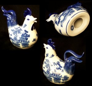 BLUE WILLOW Ceramic Rooster with Long Tail Feathers - 194-974327