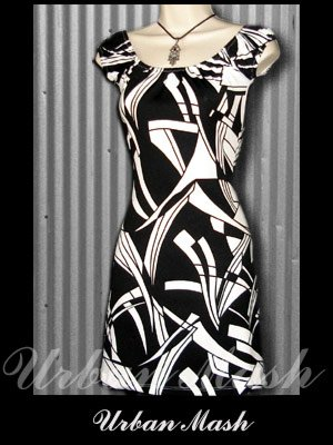 SHARP Summer Dress with MOD Geometric Print - size medium - DMBKW0002