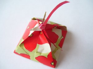 LauLau boxes � Small - Flowered print