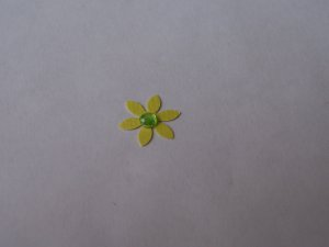 Daisy 6 � Green Blinged with backing