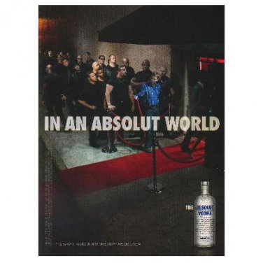 IN AN ABSOLUT WORLD Vodka Magazine Ad BOUNCERS AND PATRONS REVERSE ROLES