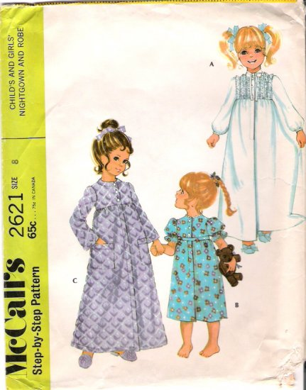 Vintage Pattern McCalls 2621 Girl Nightgown and Robe 70s Size 8