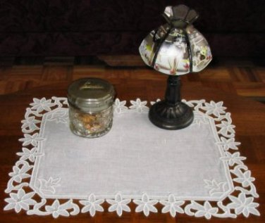 Simply Flowers Doily Freestanding Lace 5X7 Machine Embroidery