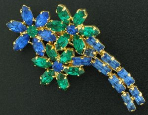 Bouquet of Green and Blue Rhinestone Daisies BRO2030