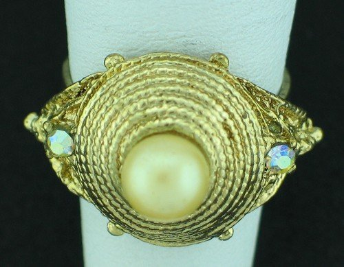Retro Gold Tone, Faux Pearl and Rhinestone Costume Ring Rin2006