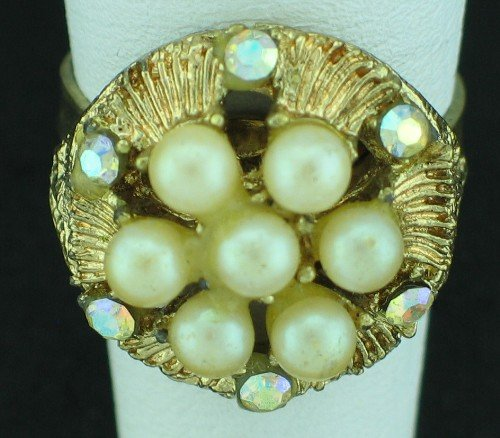 Floral Motif Retro Gold Tone, Faux Pearl and Rhinestone Costume Ring Rin2009