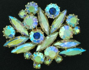 Glimmering Aurora Borealis Abstract Design Brooch Bro2200