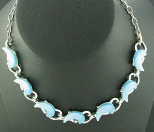 Blue Lucite Moonglow Thermo Necklace Nec2050