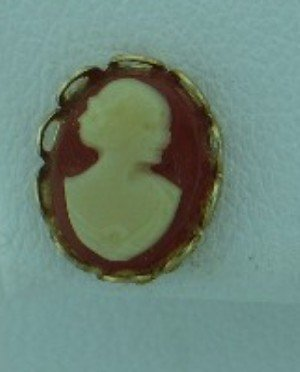 Tiny Cameo Gold Tone Post Style Earrings Ear2095