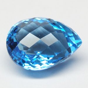 18.68ct Natural Sparkling Pear Checkerboard Blue Topaz