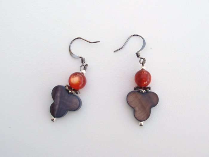 Hodge Podge Mother of pearl drop earrings