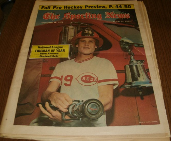 The Sporting News October 16, 1976 issue Rawly Eastwick Cincinnati Reds