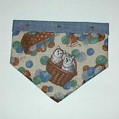 X-Small - Kitty Cat Size Bandana - Cats and Baskets Print