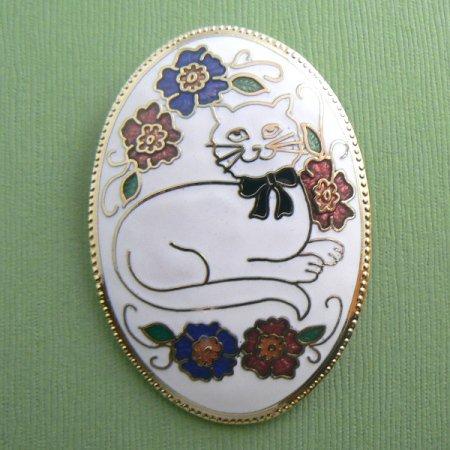 Cat Oval Cloisonne Flowers Enamel Pin - White