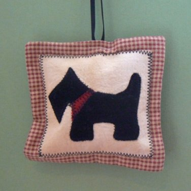 Appliqué Scottie Dog Christmas Tree Ornament