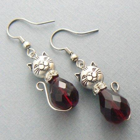 Cat Glass Drop Teardrop Earrings: Silver / Garnet