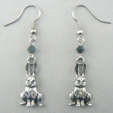 Sitting Bunny Rabbit Earrings � Pewter (Silver Toned)