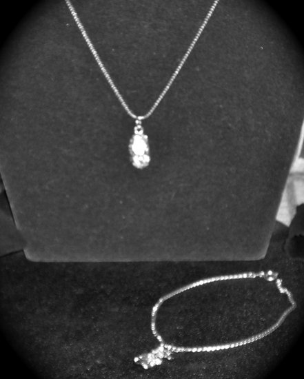 I baby shoe pendant .925 w/white crystal stones & 30 Inch serpentine Chain