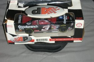 1999 LIMITED ADDITION DALE EARNHARDT ACTION RACING COLLECTABLES 1:24 SCALE