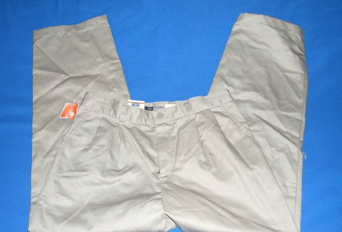 New Dockers Mens Pleated Pants New with Tags