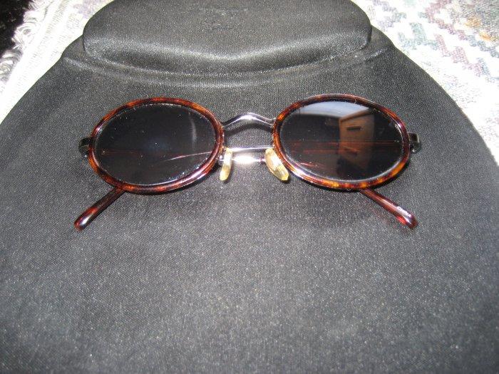 Designer Eyewear Brown/ Black Tortoise style UV Protected