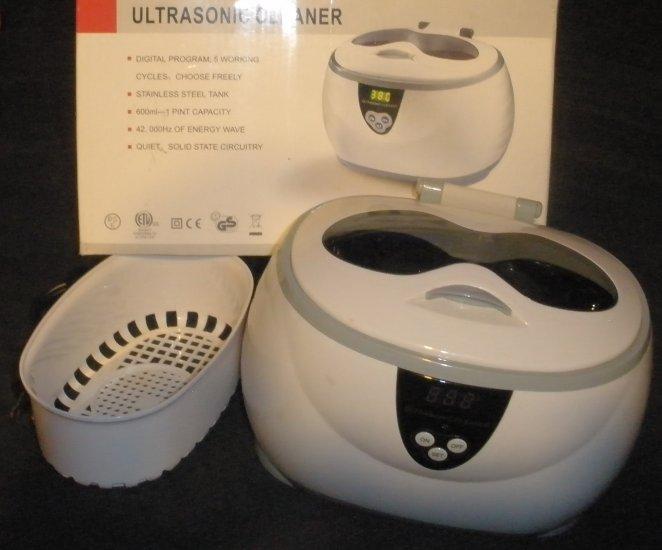 Digital Ultrasonic Jewelry Cleaner In BOx