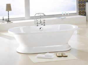 Augusta Pedestal Free Standing Bathtub & Faucet large clawfoot