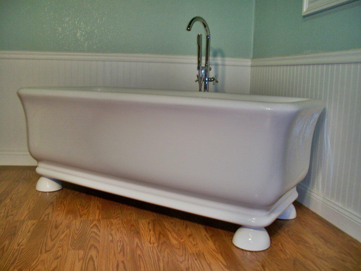 M 44b Free Standing Pedestal Unique Designer Bathtub