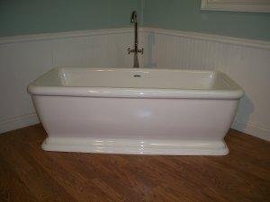 M-412 Pedestal Bathtub Includes Faucet and Drain