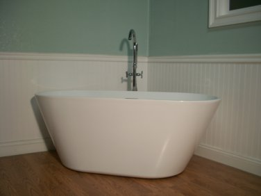 "Terri 67"" Free Standing Bathtub & Faucet"