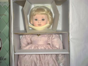 "Doll Maker GEORGIANNA 24"" Cloth over Porcelain Tawny Nix NIB"
