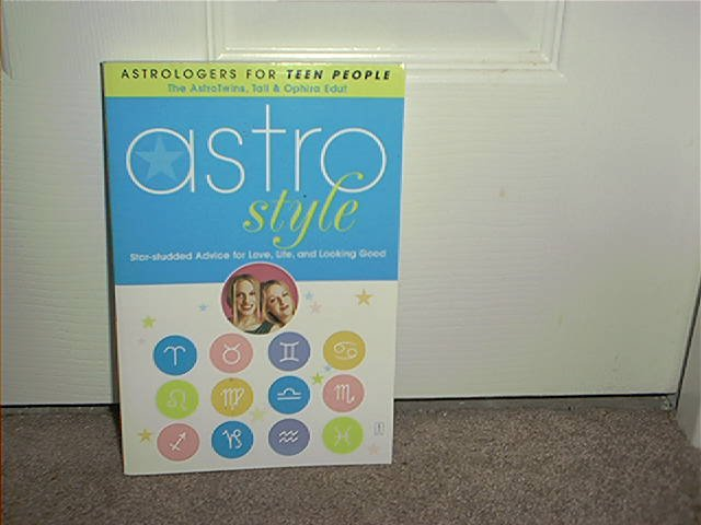 ASTRO STYLE Star Studded Advice For Love Life & Looking Good Book NEW