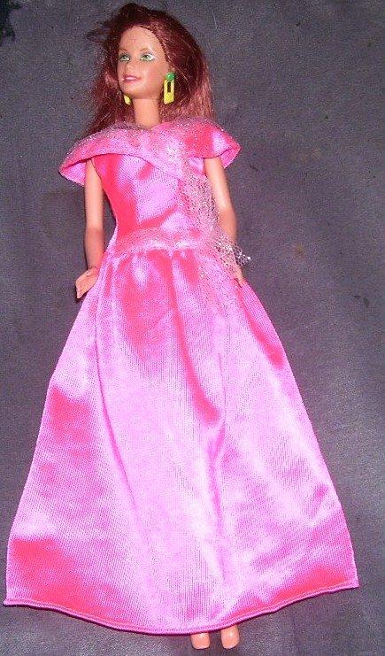 Barbie TERESA Doll 1998 in Pink Gown w/Auburn Hair & Green Eyes