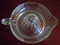 Vintage Clear Glass Grapefruit Reamer Large Juicer