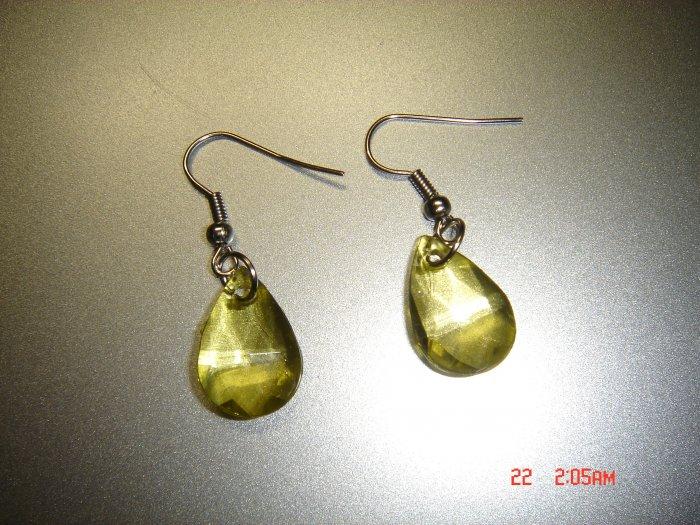 Fashion Handmade Green Acrylic Teardrop Earrings ON SALE 2009**FREE SHIP