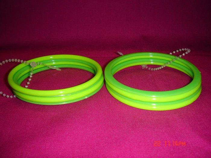 Latest Fashion 8 Shiny Green Bangles ON SALE 2009**