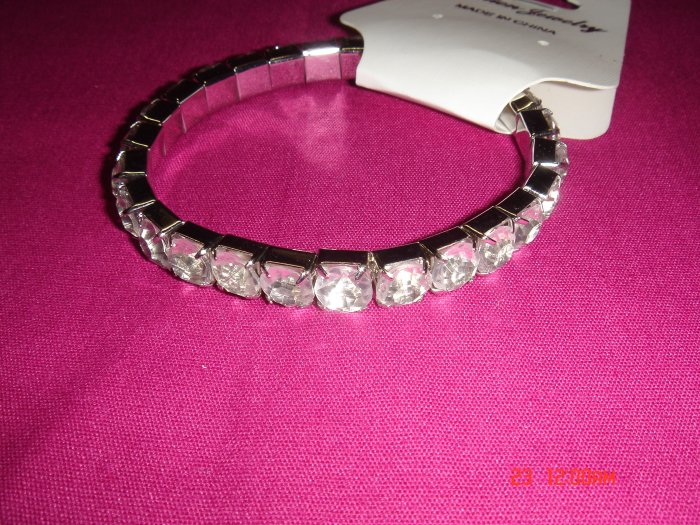 High Quality Clear Simulated Diamond Stone Stretch Tennis Bracelet on Tag
