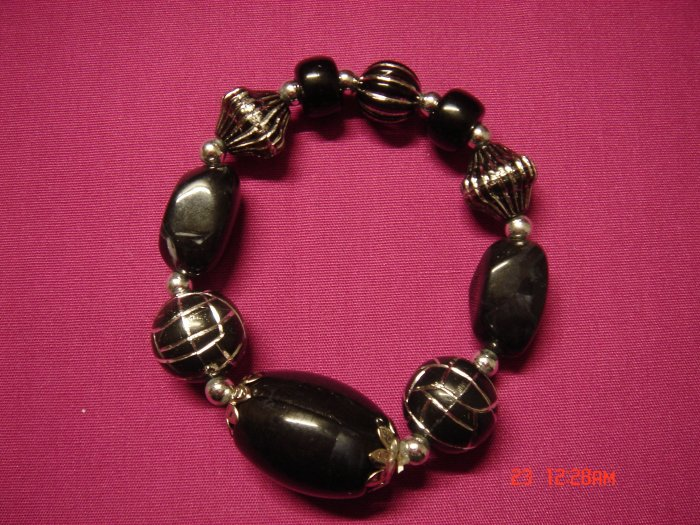 Real Black Marble and Acrylic Bead Stretch Bracelet**