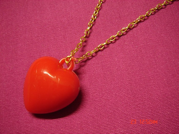 2009 NEW Puffy Red Acrylic Medium Heart choose Gold or Silver Necklace