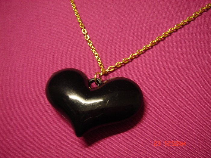 2009 NEW Puffy Punk Black Acrylic Big Heart choose Gold or Silver Necklace