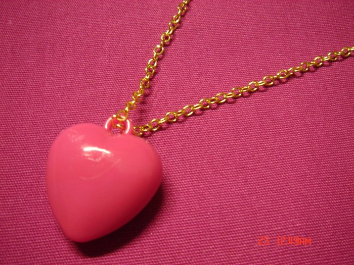 2009 NEW Puffy Pink Acrylic Medium Heart choose Gold or Silver Necklace