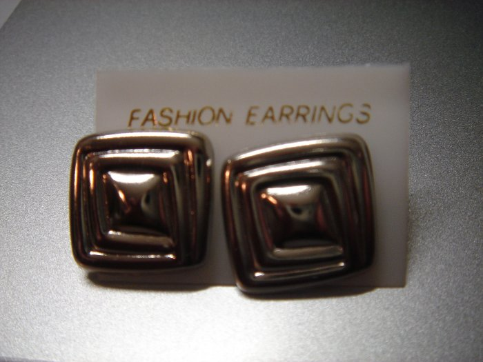 ON SALE**$3 Fashion Silver Square Button Studs Earrings