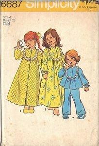 SIMPLICITY PTRN 6687 DATED 1974 GIRL'S BATHROBE, NIGHTGOWN AND PAJAMAS SZ 4