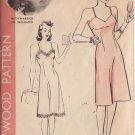 HOLLYWOOD PATTERN 951, MISSES' 40'S  SZ 40 SLIP RUTH WARRICK